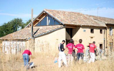 TALLER DE CONSTRUCCIÓN DE SOLERA DE CAL ROMANA EN CUENCA DE CAMPOS (VALLADOLID)